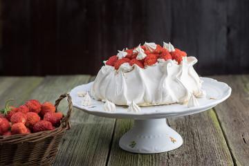 Jahodový dort Pavlova