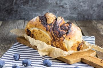 Vířivý povidlový chléb