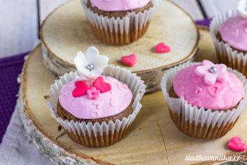 Perníkové muffiny zdobené marcipánem