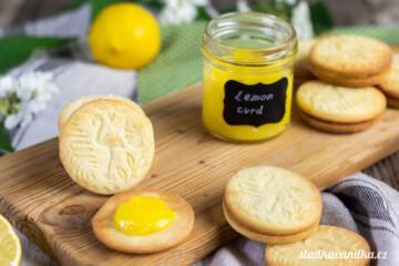 Sušenky se smetanovým sýrem plněné citronovým krémem